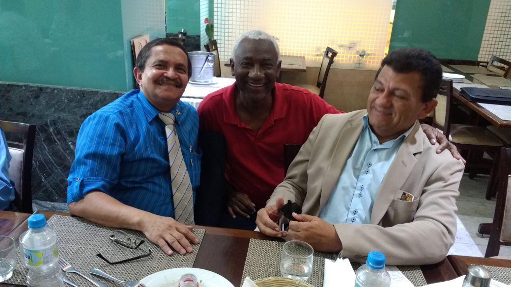 Da esquerda para a direita, CLC Paulo César Simões (organizador do evento), OSM Paulo Sérgio e CLC Joaquim Ferreira.